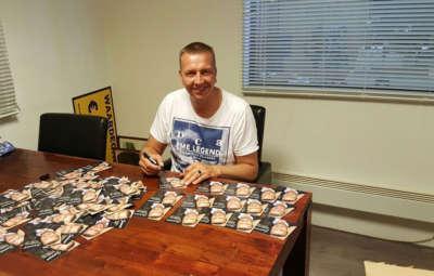 Kom naar een van de signeersessies van Gevoel Van Samen Zijn en laat jouw exemplaar signeren door Jannes!